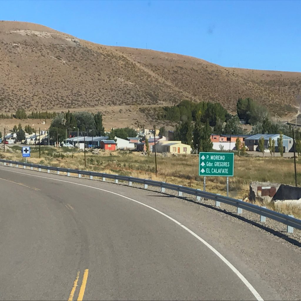 Road sign pointing to El Calafate.