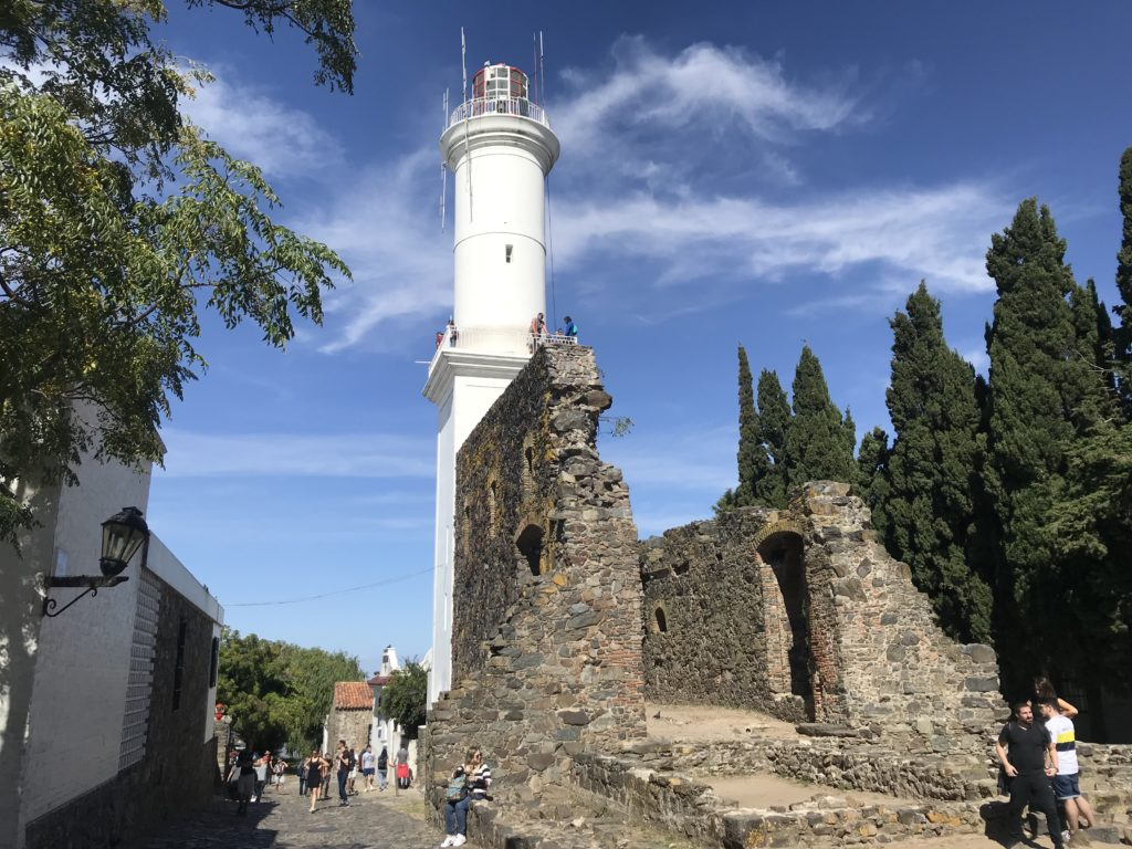 The lighthouse and ruins in Colonia.