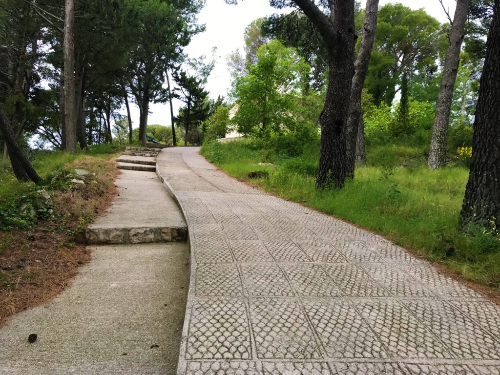 The steep path that leads to the mausoleum.