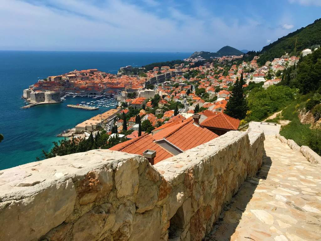 Path leading into Dubrovnik town.