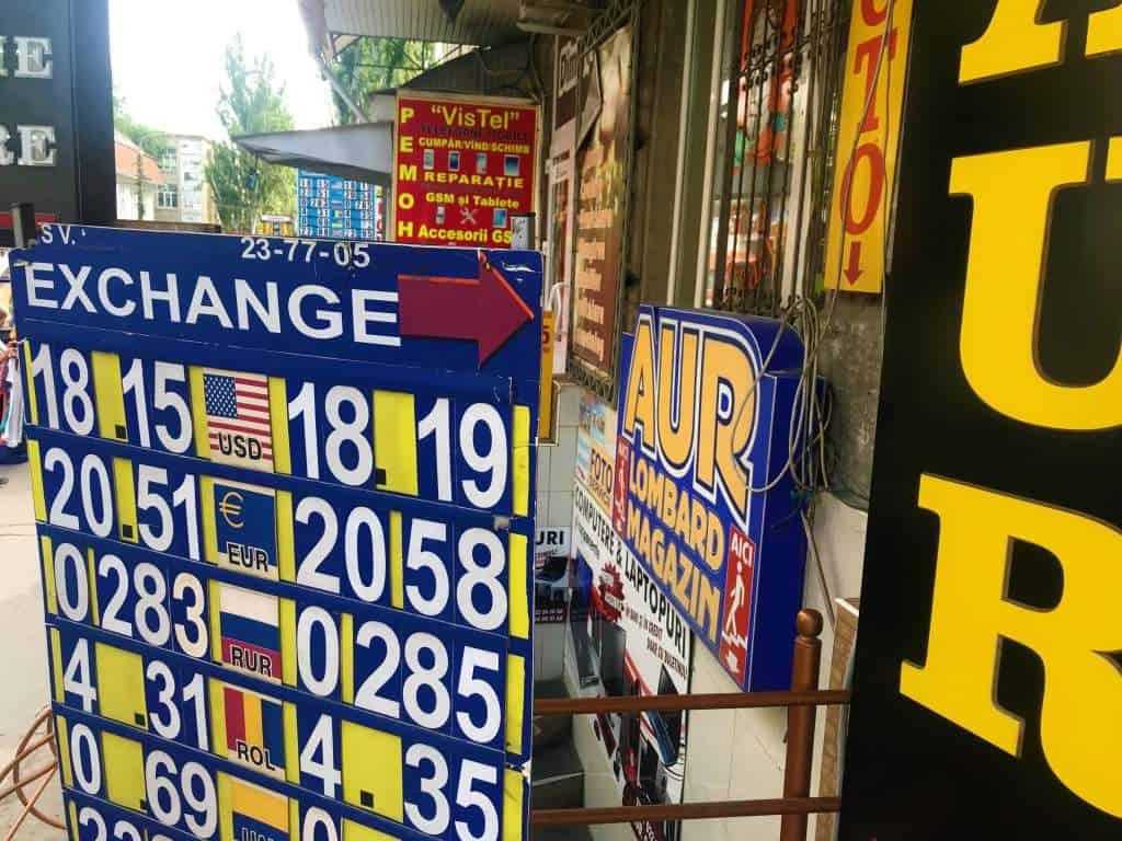 A money exchange sign in downtown Chişinău.