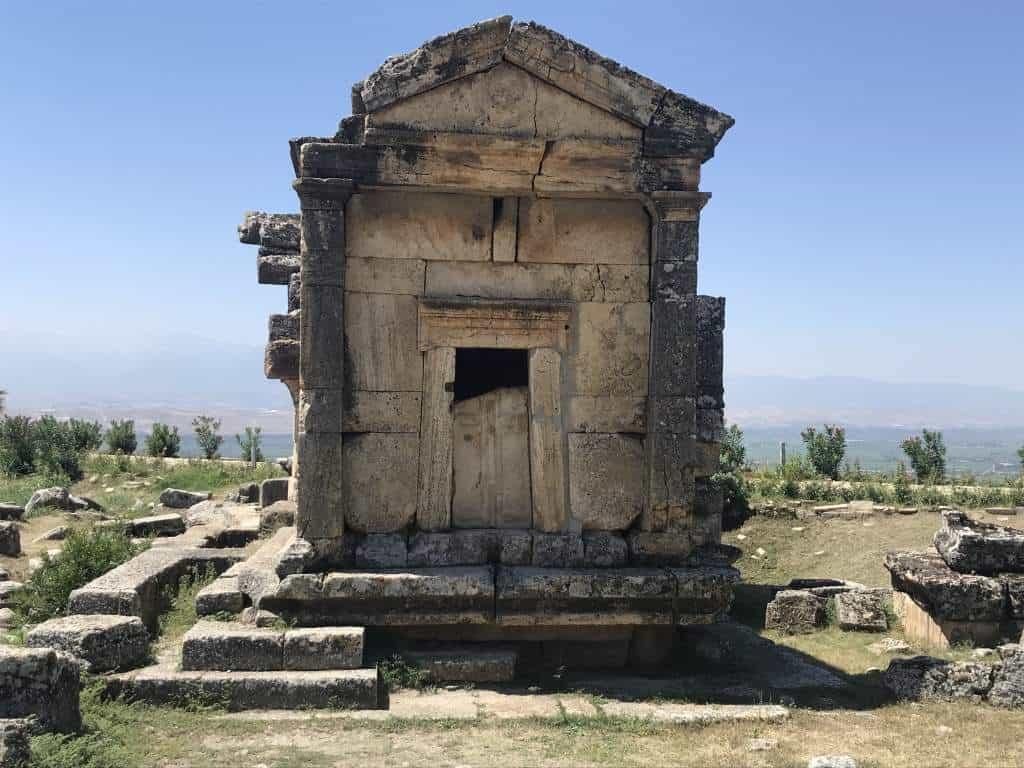A pretty building at the Hierapolis.