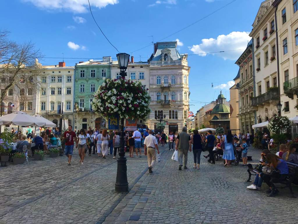 22 Irresistible Things to do in Lviv, Ukraine