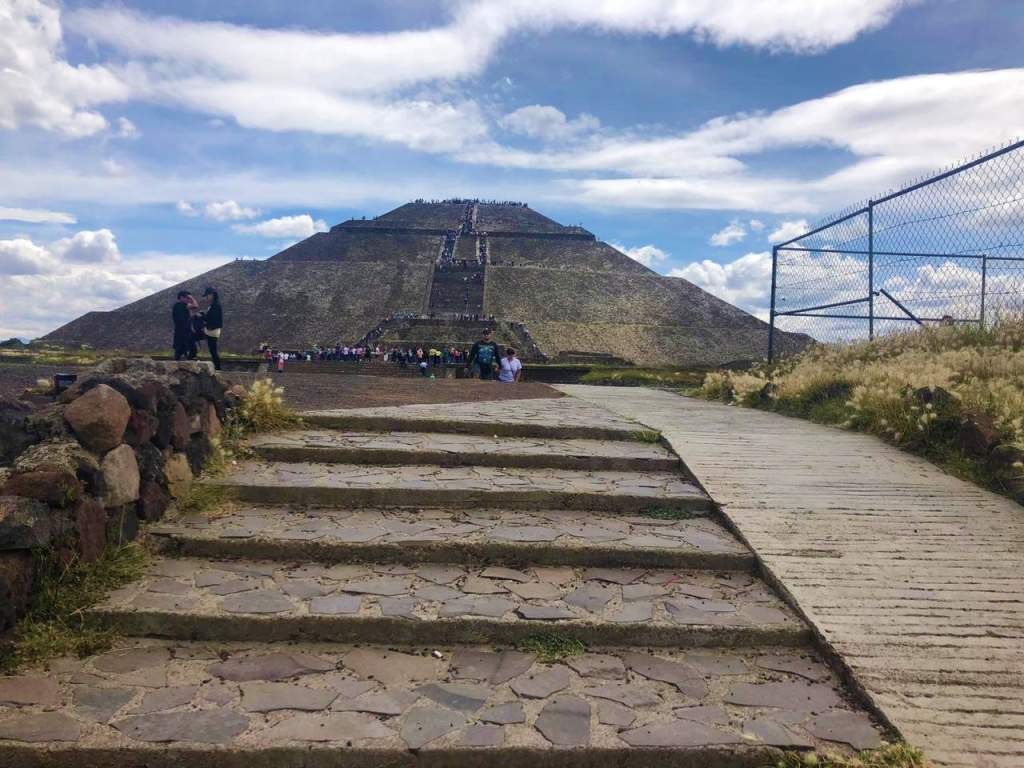 A wheelchair accessible ramp at Gate 2 in Teotihuacan.