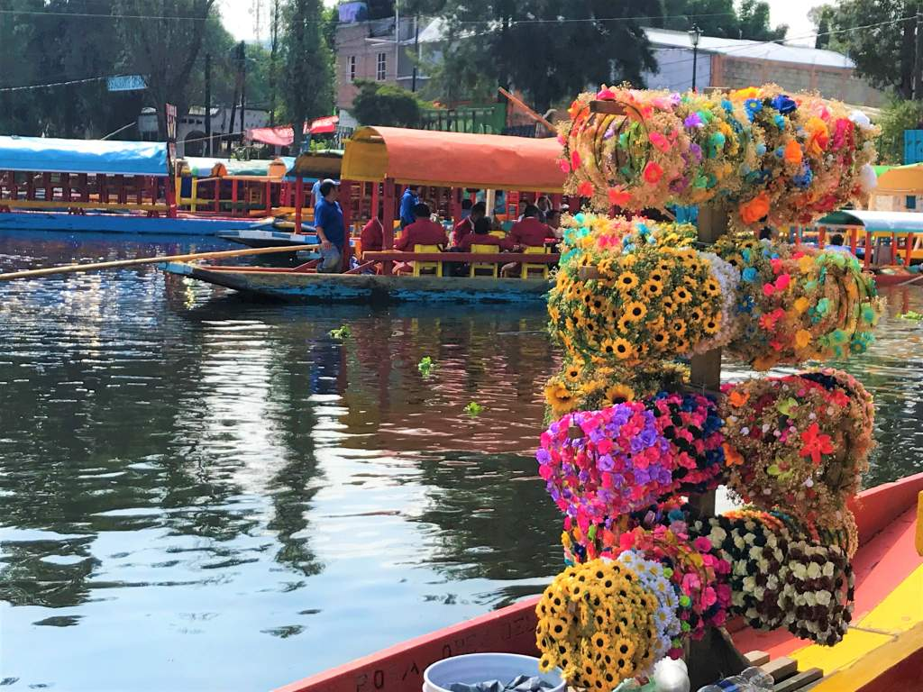 Flower headbands are commonly sold at Xochimilco.