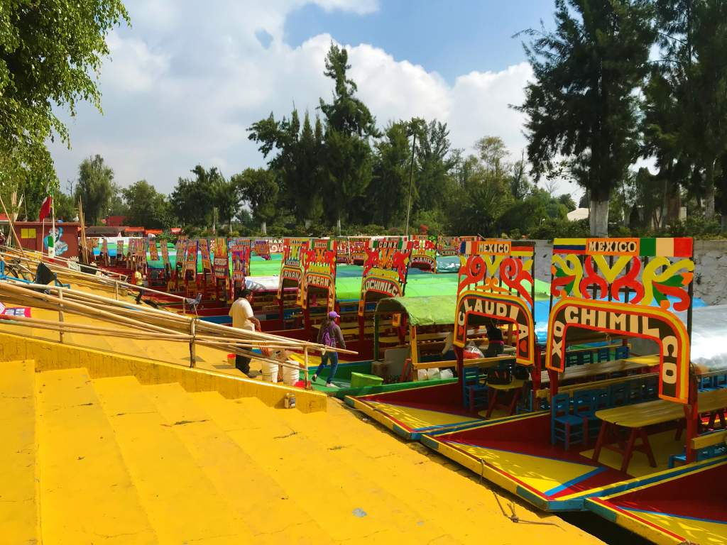 The portion of Embarcadero Nuevo Nativitas in Xochimilco that is not wheelchair accessible.