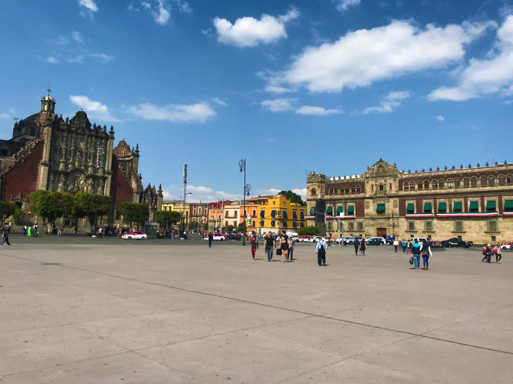 A view of the zócalo with the cathedral.