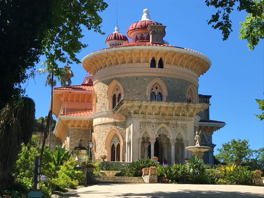 The wheelchair accessible entrance to the Monserrate Palace.