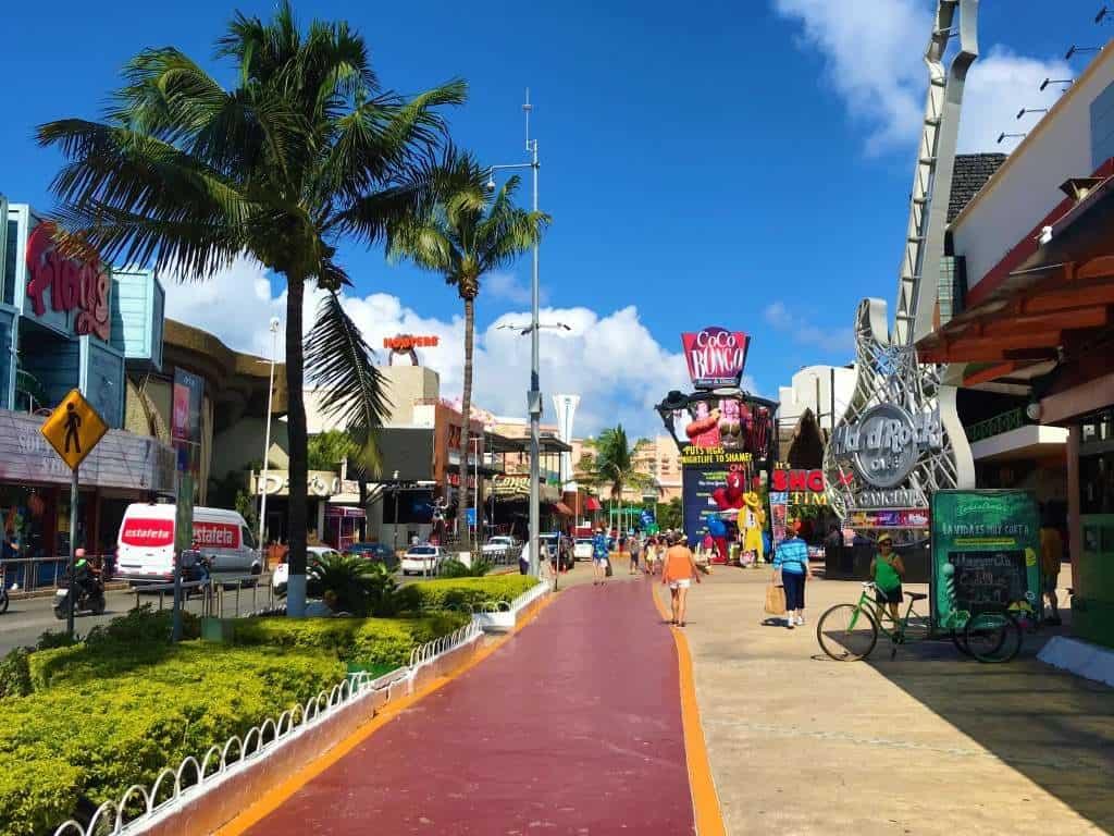 Shopping in Cancun Hotel Zone.