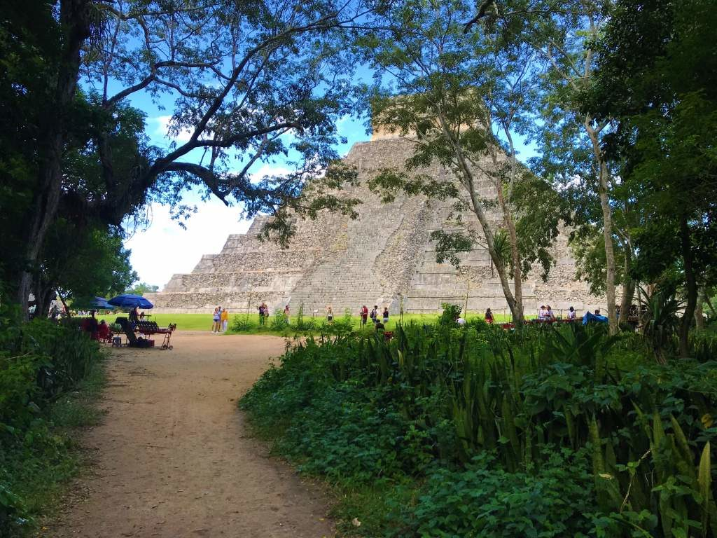 The main path leading to the El Castillo pyramid at Chichén Itzá.