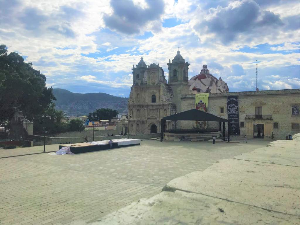 A panoramic view of Jardín Socrates in Oaxaca.