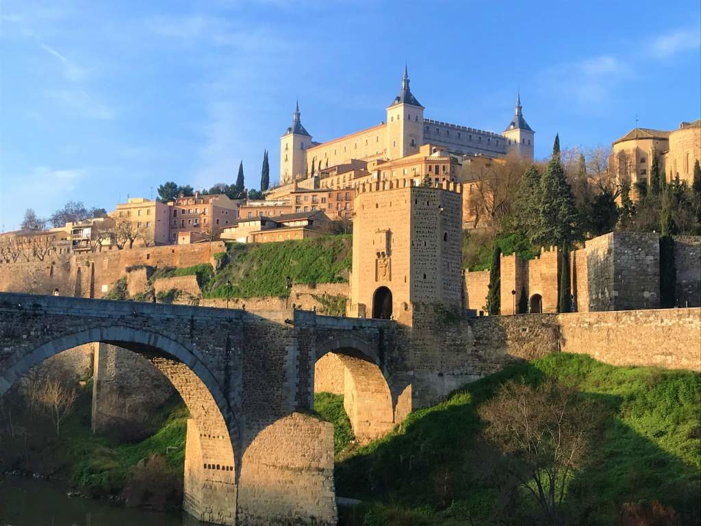 An iconic view of the city of Toledo.