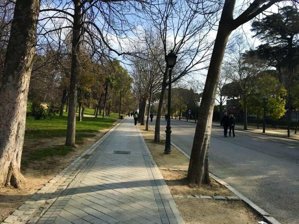 Wheelchair accessible path at Retiro Park.