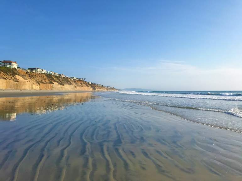 Low tide at wheelchair accessible Solana Beach.