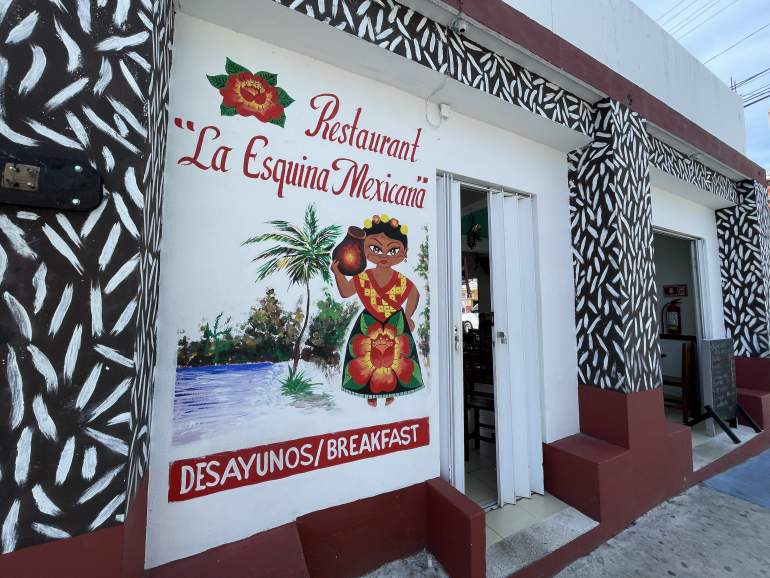 Entrance to La Esquina Mexicana, which is one of the best local Mexican restaurants in Playa del Carmen.