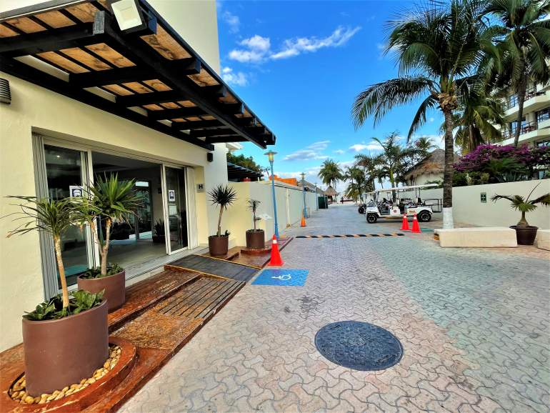 Wheelchair accessible hotel in Isla Mujeres.