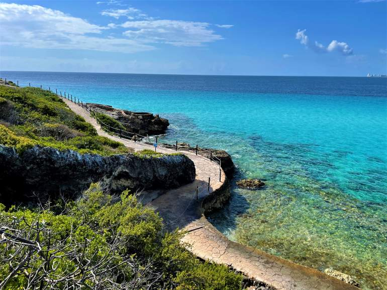A Wheelchair User's Guide to Isla Mujeres