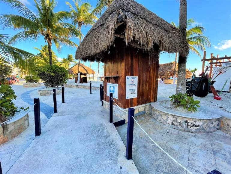 A wheelchair accessible path leading to the beach in Isla Mujeres.