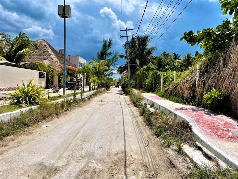 A dirt road in Holbox.