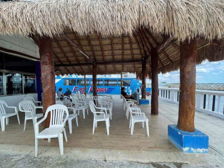 Accessible ferry waiting area in Chiquila.