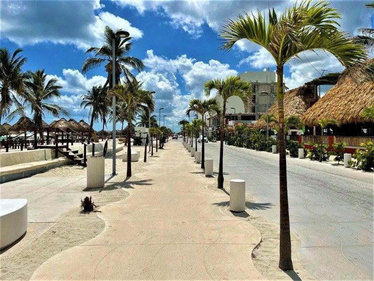 A flat sidewalk bordering Progreso's beach.