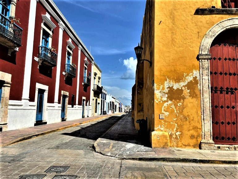 Drop down curbs in the historical center of Campeche.