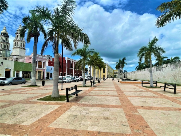 A wide plaza in Campeche makes it easy for wheelchair users to get around.